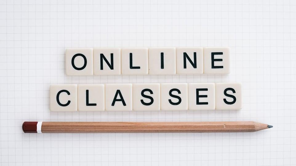 online-classes-5556840_1920